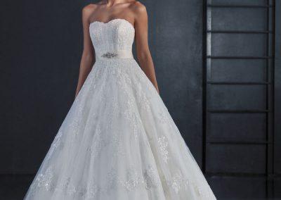 Love Bridal модел (2)